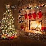 Weihnachten Feuer Im Kamin Knistert Hearth Baum Red Strumpfe Geschenke Und Dekorationen Stockfoto Und Mehr Bilder Von 2015 Istock