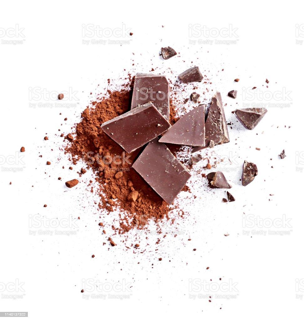 https www istockphoto com fr photo poudre de cacao et morceaux de chocolat noir gm1140137322 304990413