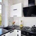Moderne Kuche Mit Leichten Eiche Fassade Und Dunkle Arbeitsplatte Stockfoto Und Mehr Bilder Von Arbeitsplatte Istock