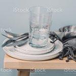 Geschirr Besteck Skandinavisches Design Teller Und Glaser Stockfoto Und Mehr Bilder Von Blau Istock