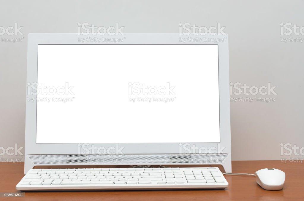photo libre de droit de ordinateur de bureau pc avec ecran blanc isole sur fond de tableau noir ecole blanc contexte de leducation de concept retour a lecole banque d images et plus
