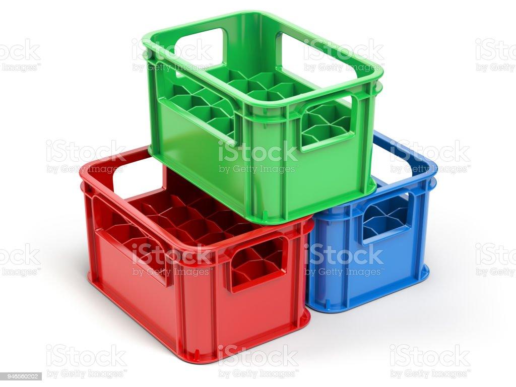 photo libre de droit de vider les caisses de rangement en plastique pour bouteilles isoles sur fond blanc banque d images et plus d images libres de droit de alcool istock