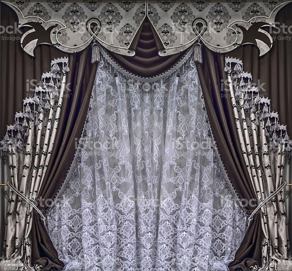 https www istockphoto com fr photo design de luxe de la fen c3 aatre avec des rideaux dans les tons marron et beiges avec gm1061982728 283907587