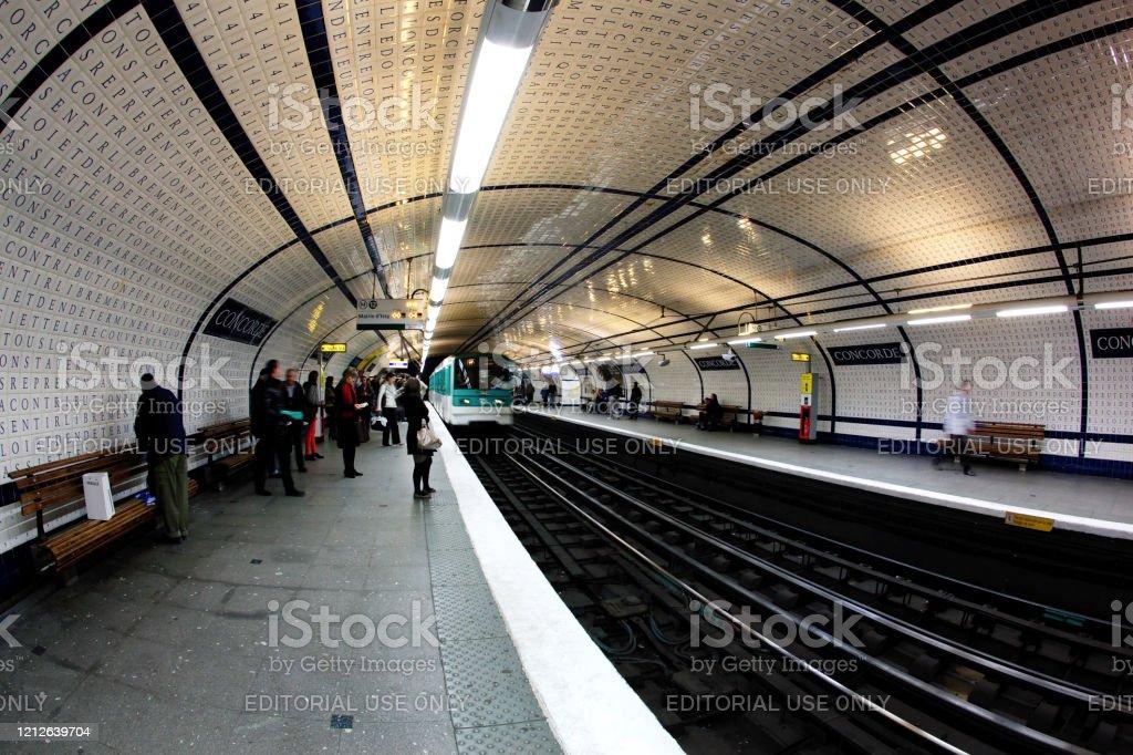 Carrelage Metro Paris Banque D Images Et Photos Libres De Droit Istock