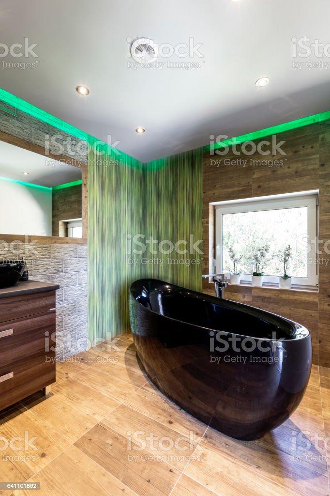 photo libre de droit de salle de bain travertin avec baignoire noir banque d images et plus d images libres de droit de appartement istock
