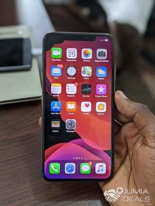 iphone xs max 256gb tache noir sur ecran