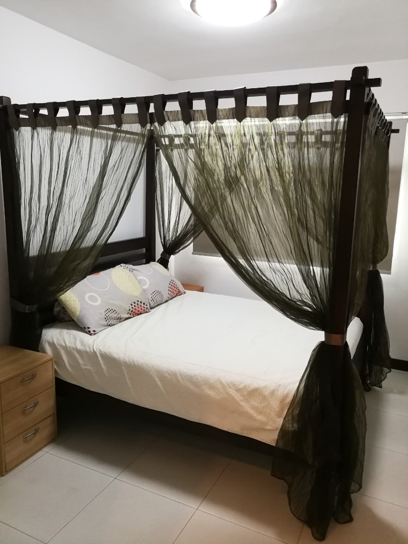 Queen Size 4 Poster Bed Furniture Beds Mattresses On Carousell
