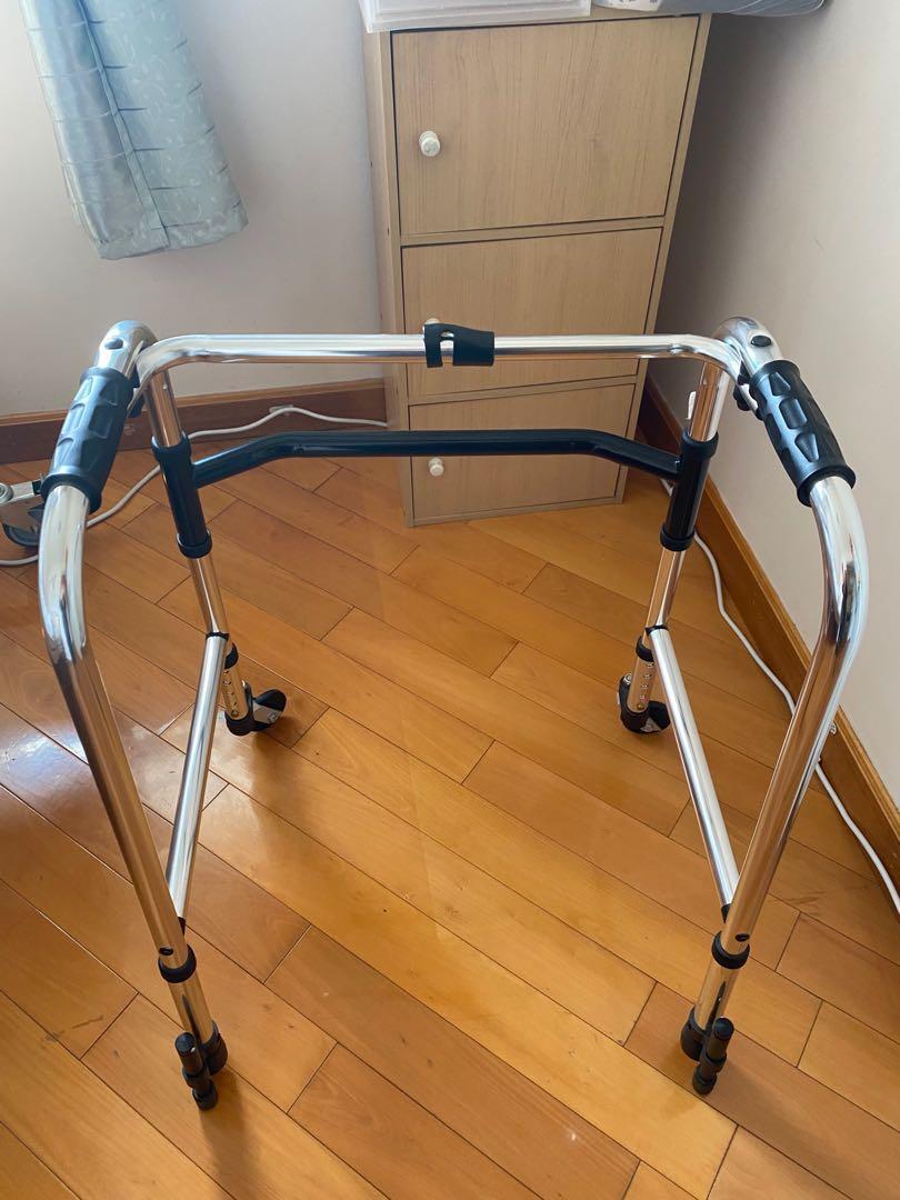 助行架(復康用品),醫療儀器, Everything Else, 復康床,安全,醫療耗材,亦有需注意的地方,是最基本及便宜的助行產品,醫藥,如輪椅, Others on Carousell