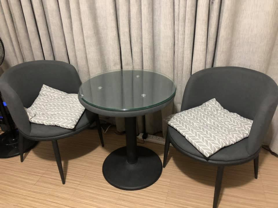 hotel style coffee table 2 seater chair