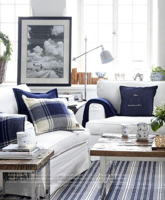 Den klassiska stilen hemma förknippar vi mest med det marina temat.