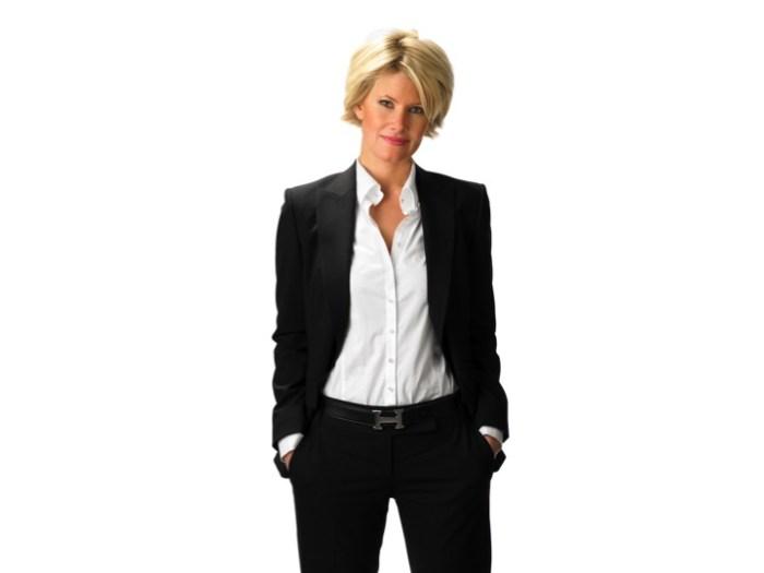 Enligt forskare i USA så mår vi bättre i kostym eftersom vi tänker bredare. Slappa kläder gör oss mer detaljorienterade.