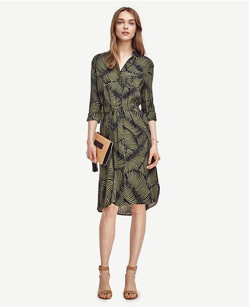 Idag listar jag 10 snygga skjortklänningar på bloggen. Den här skjortklänningen är dyrast och kommer från det amerikanska märket Ann Taylor.