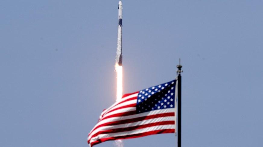 SpaceX, NASA make history with Crew Dragon astronaut ...