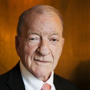 Pehr G Gyllenhammar, författare och tidigare Volvochef.