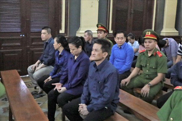 In this case, Defendant Phan Van Anh Vu (Aluminum Vu) is charged with seizing 203,000 of DongA Bank. Picture: Truong Son