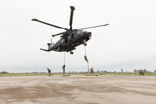 Aeronautica Militare Fast Rope delle forze terrestri
