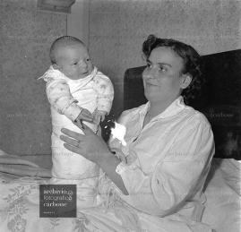 Aversa neonato di dieci chili