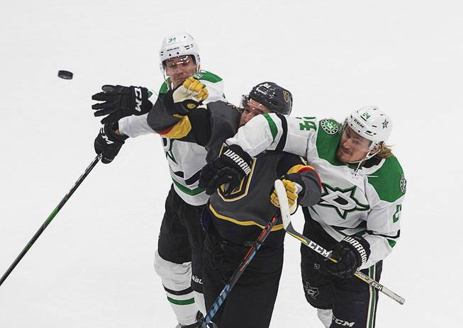Golden Knights Beat Stars in Game 2