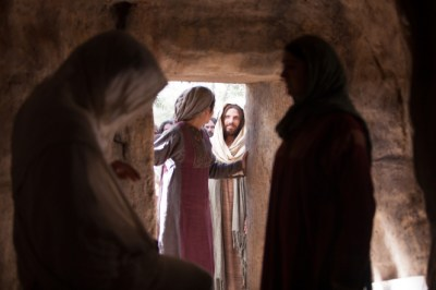 John 11:1–44, Lazarus appears from his tomb