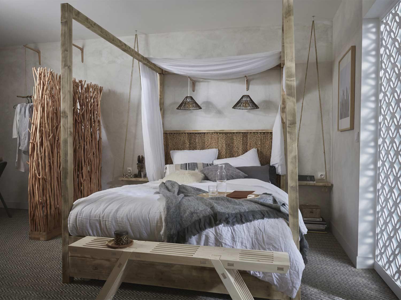 fabriquer un lit a baldaquin en bois