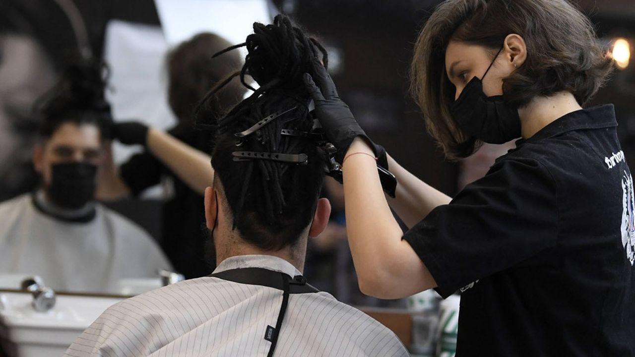 les coiffeurs redemarreront doucement
