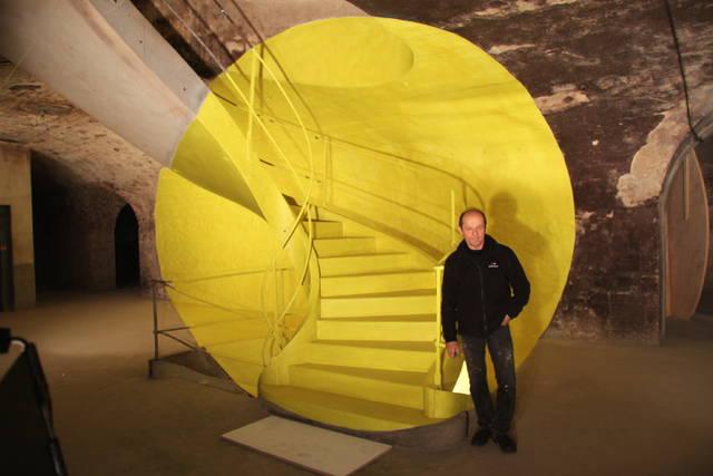 L'artiste Georges Rousse a immortalisé le site avant sa rénovation en mars 2012.