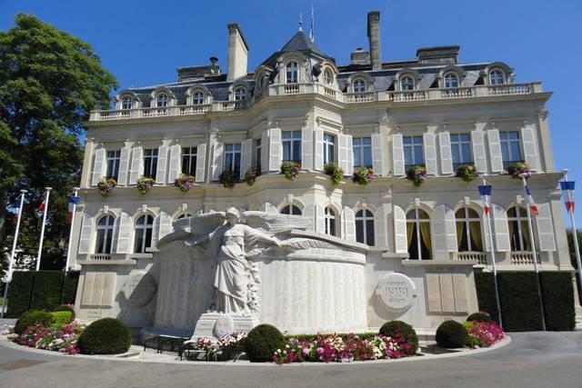 Pour illustrer le thème de cette 33e édition, «patrimoine et citoyenneté», une visite guidée de l'hôtel de ville est prévue.