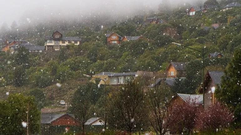 ¿La nieve sorprenderá a los turistas en la cordillera?