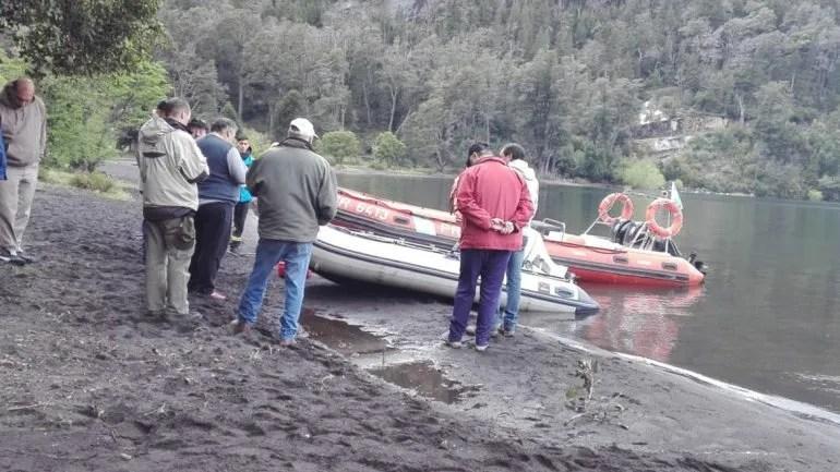 La brigada de rescate durante la búsqueda.