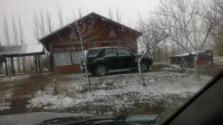 That's how it snowed on Saturday in Loncopué.