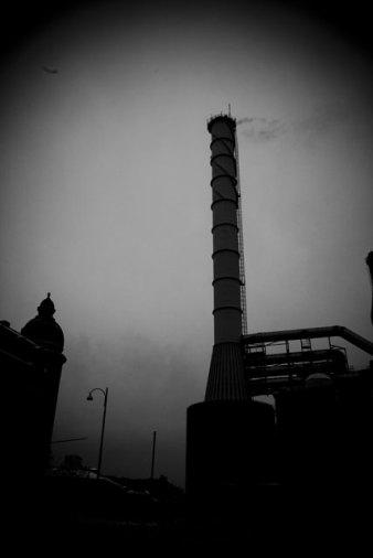 svartvitt kraftverk