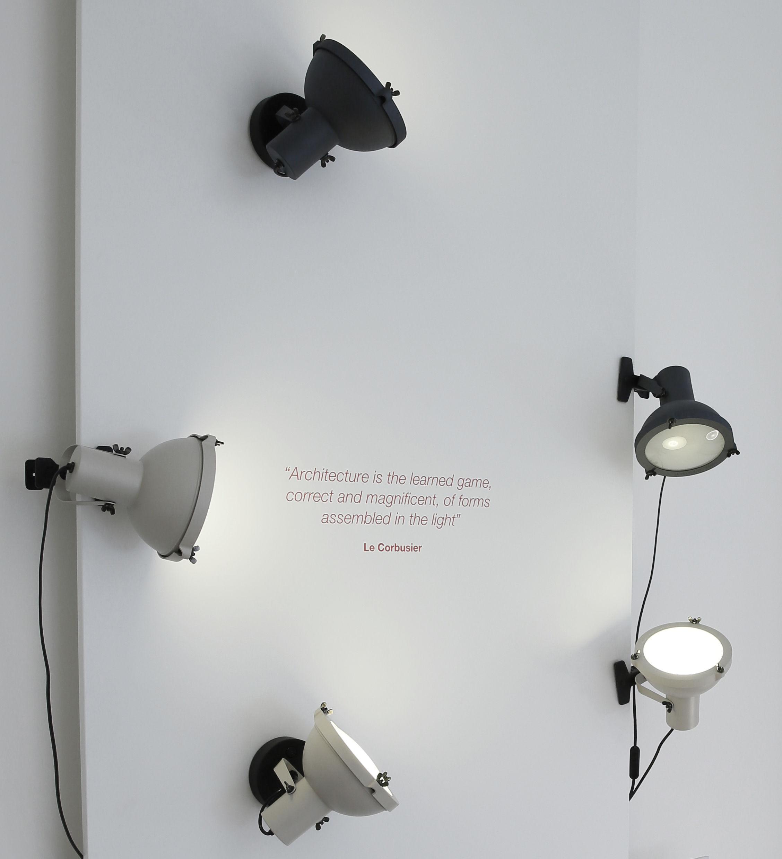 Spot Pince Projecteur 165 By Le Corbusier Rdition