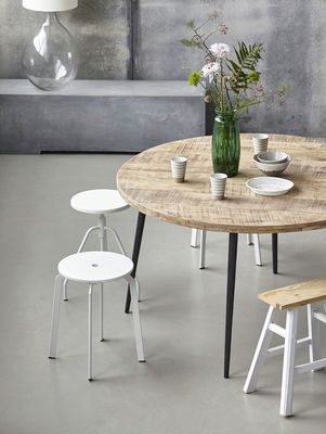 club round table mango wood o 130 cm by house doctor