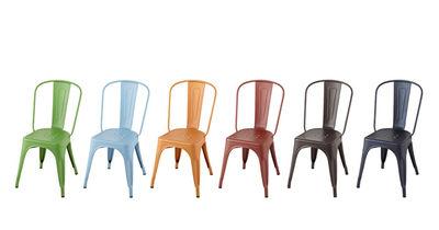 chaise empilable a acier couleur mate tolix