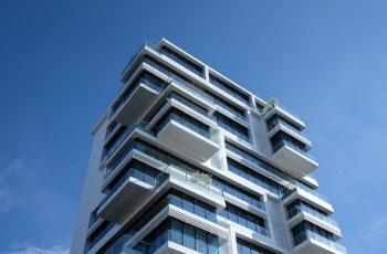 Oportunidades no mercado imobiliário: existem em meio à crise?