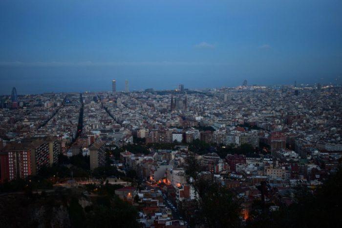 utsikt över barcelona vid mörker