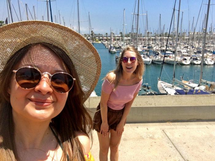 jag och sandra i barcelonas hamn