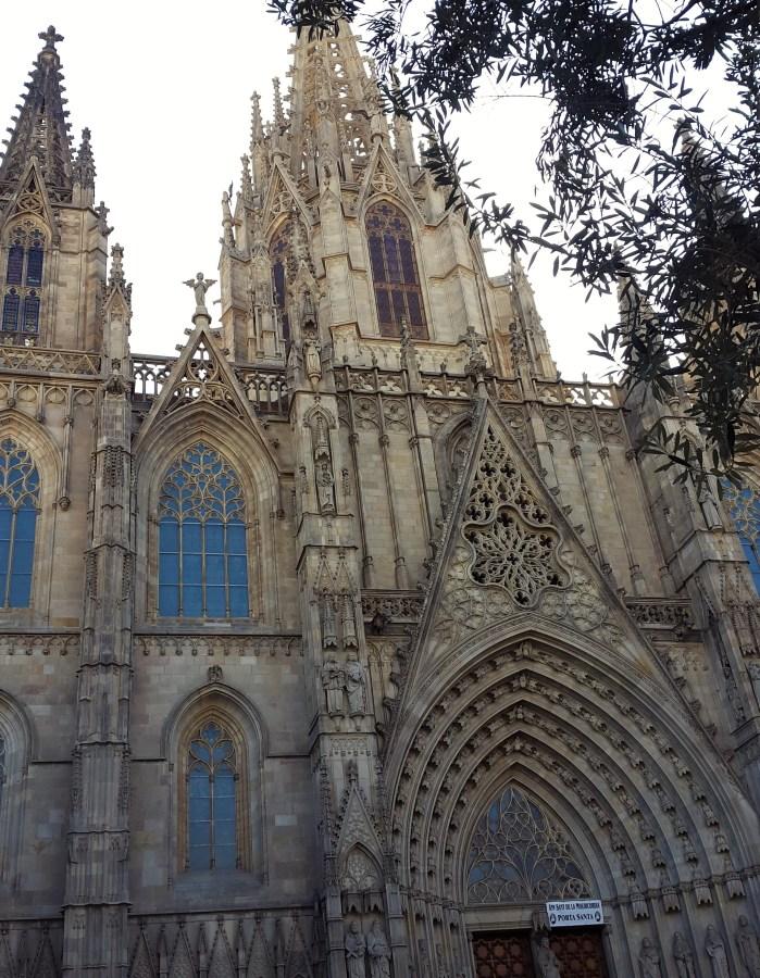 barcelonas katedral utsidan