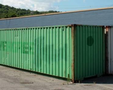 Detta var en gammal, rostig container. Men när han är klar med den? Jag vill flytta in!