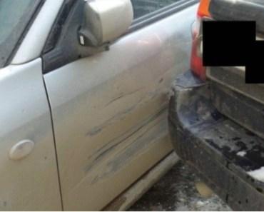 Efter olyckan har mannens bil en stor buckla. Då tar han en tuschpenna och gör något OTROLIGT!