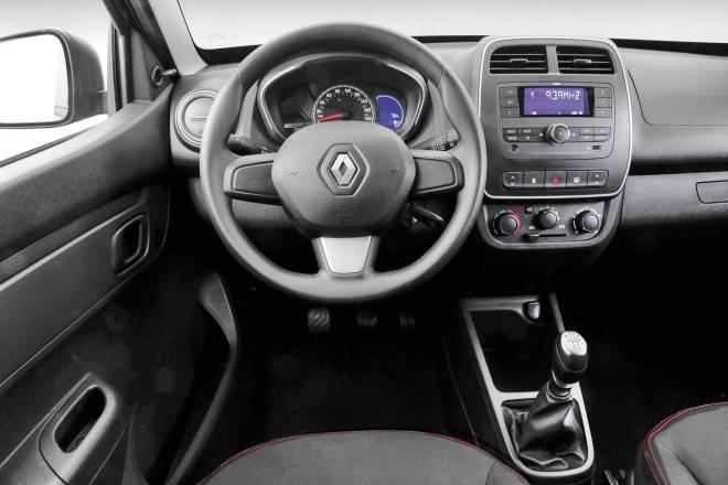 Linha intermediária Zen sai por R$ 35.390 e vem com travas e vidros dianteiros elétricos, rádio com Bluetooth e entradas USB e auxiliar | Divulgação