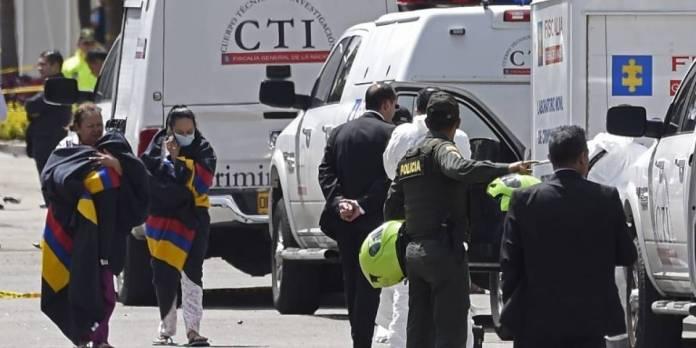 Explosión de carro bomba deja varios muertos en escuela de policías en Bogotá