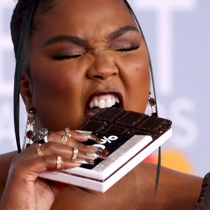 """Lizzo has an impact on the Brits 2020 with unexpected and """"rich"""" look of cocoa"""