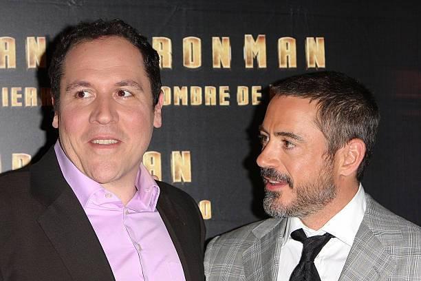 Jon Favreau y Robert Downey Jr. en una gira previa a Iron Man, de Marvel Studios.