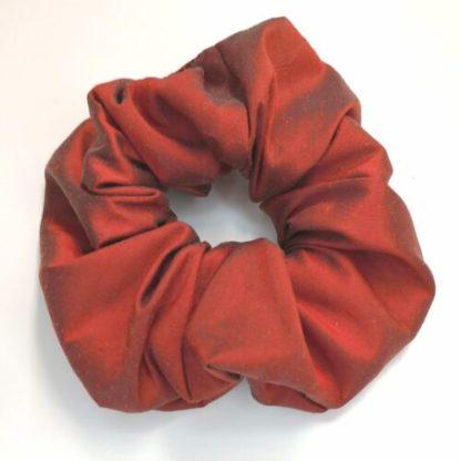 Scrunchie rostfärgad thaisiden