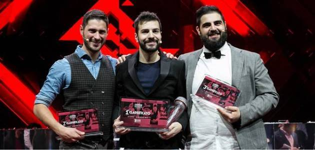 Giovanni Liuzzi, al centro, ha vinto la Campari Barman Competition