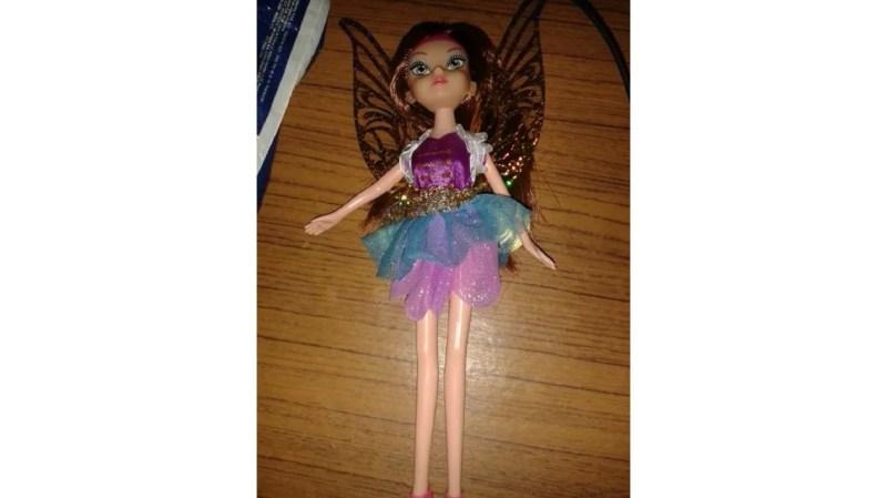 Padres se horrorizan porque la muñeca que le regalaron a su hija era travesti