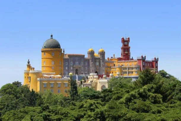 El Palacio da Pena, en Sintra, una antigua residencia real que es un ícono