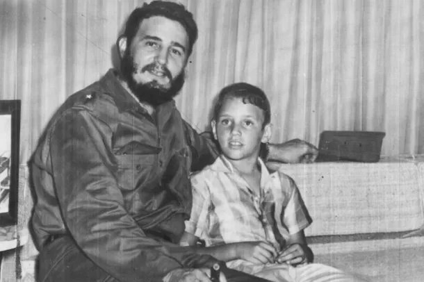 Fidel Ángel Castro Díaz-Balart  y su padre<br>