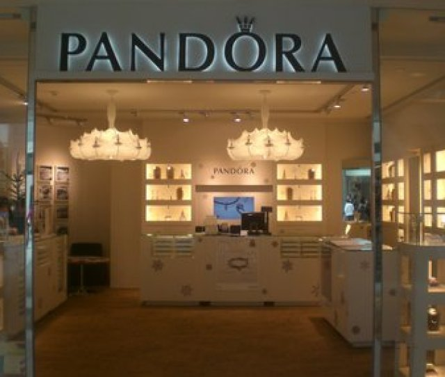 Courtesy Photorivertown Crossings Begins Construction This Month On Pandora Jewelry Store That Will Open In September